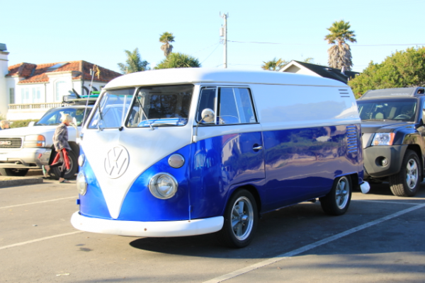 Royal Blue Kolor Pearls VW Micro Bus Van.