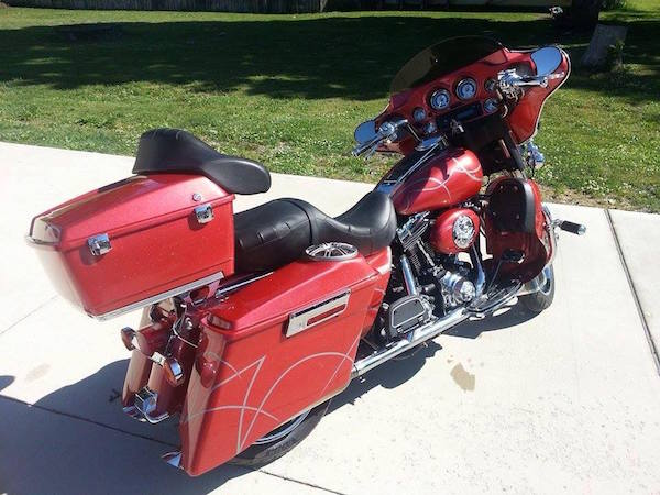 Wine Red Crystal kandy on Electra Glide Harley.